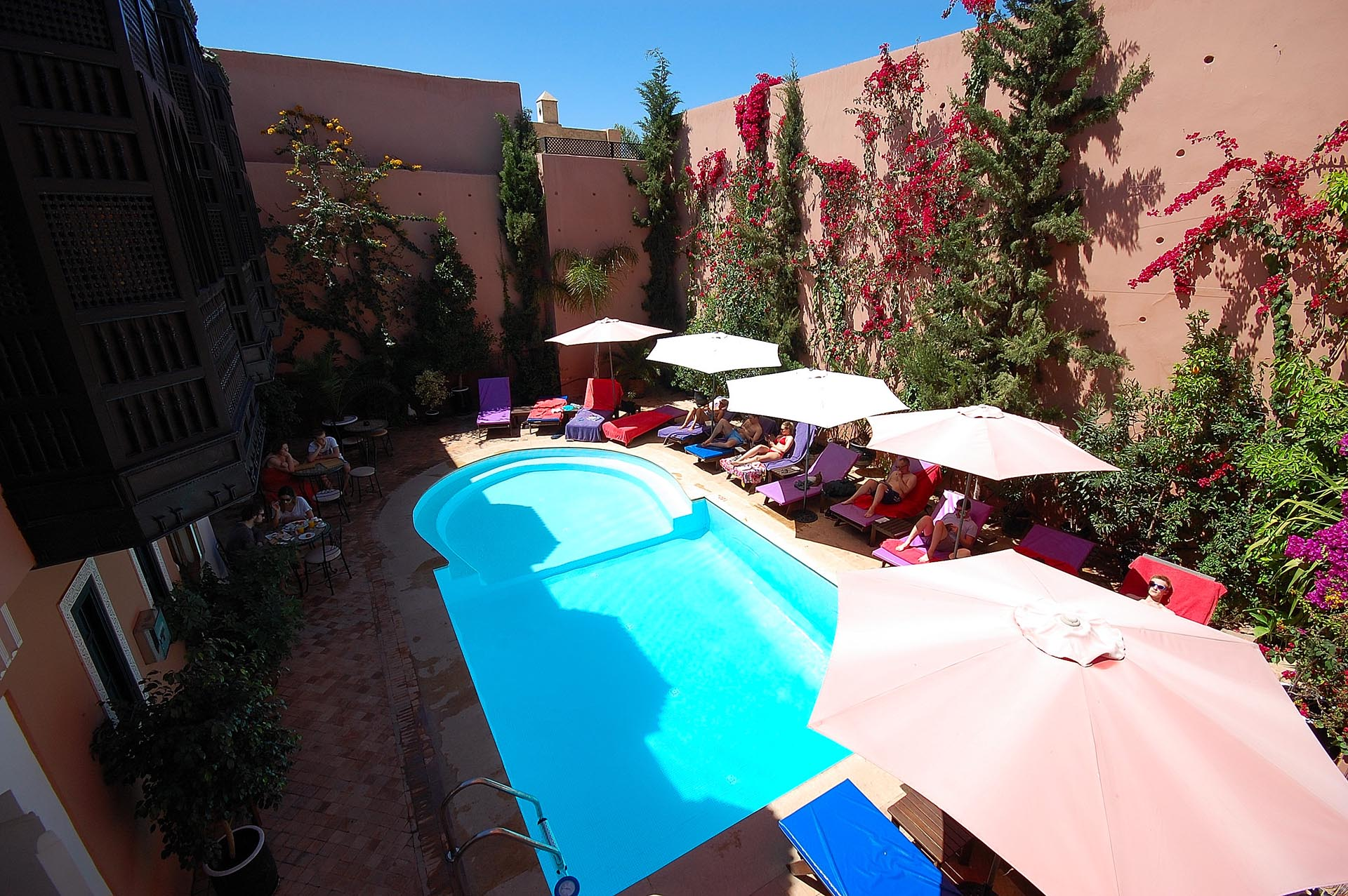 Do Marrakesh Riads have swimming pool's?