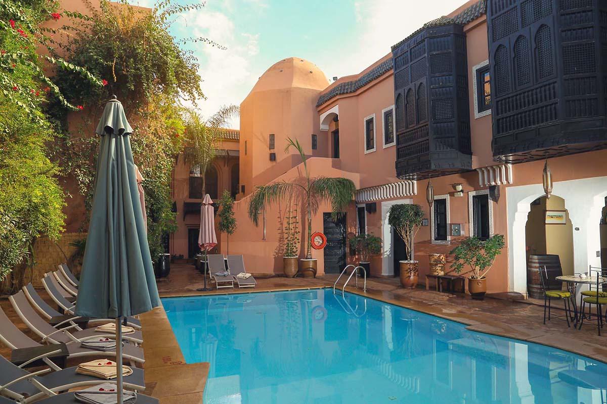 Piscine, terrasse et spa