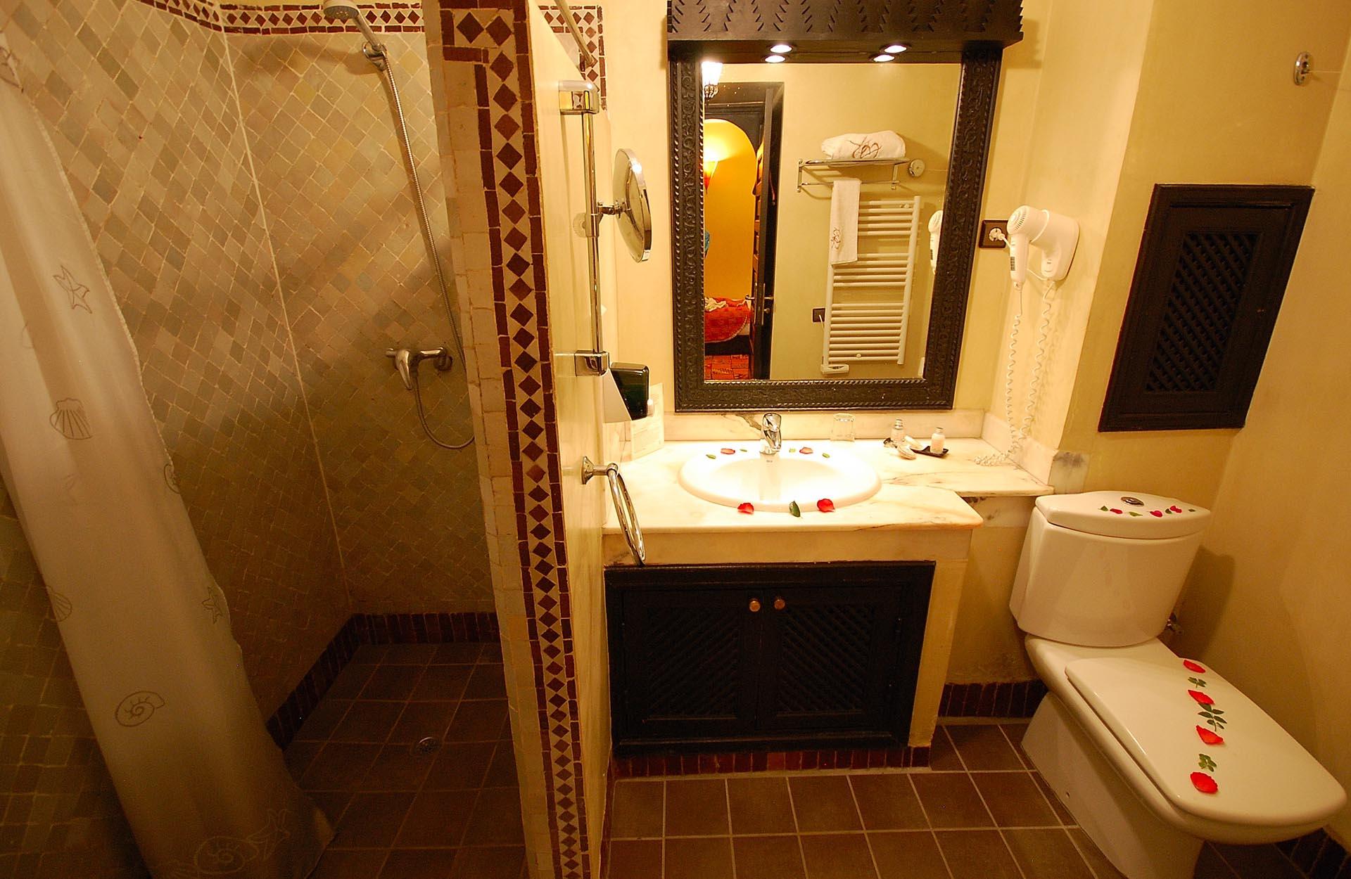 Bathroom (single room)
