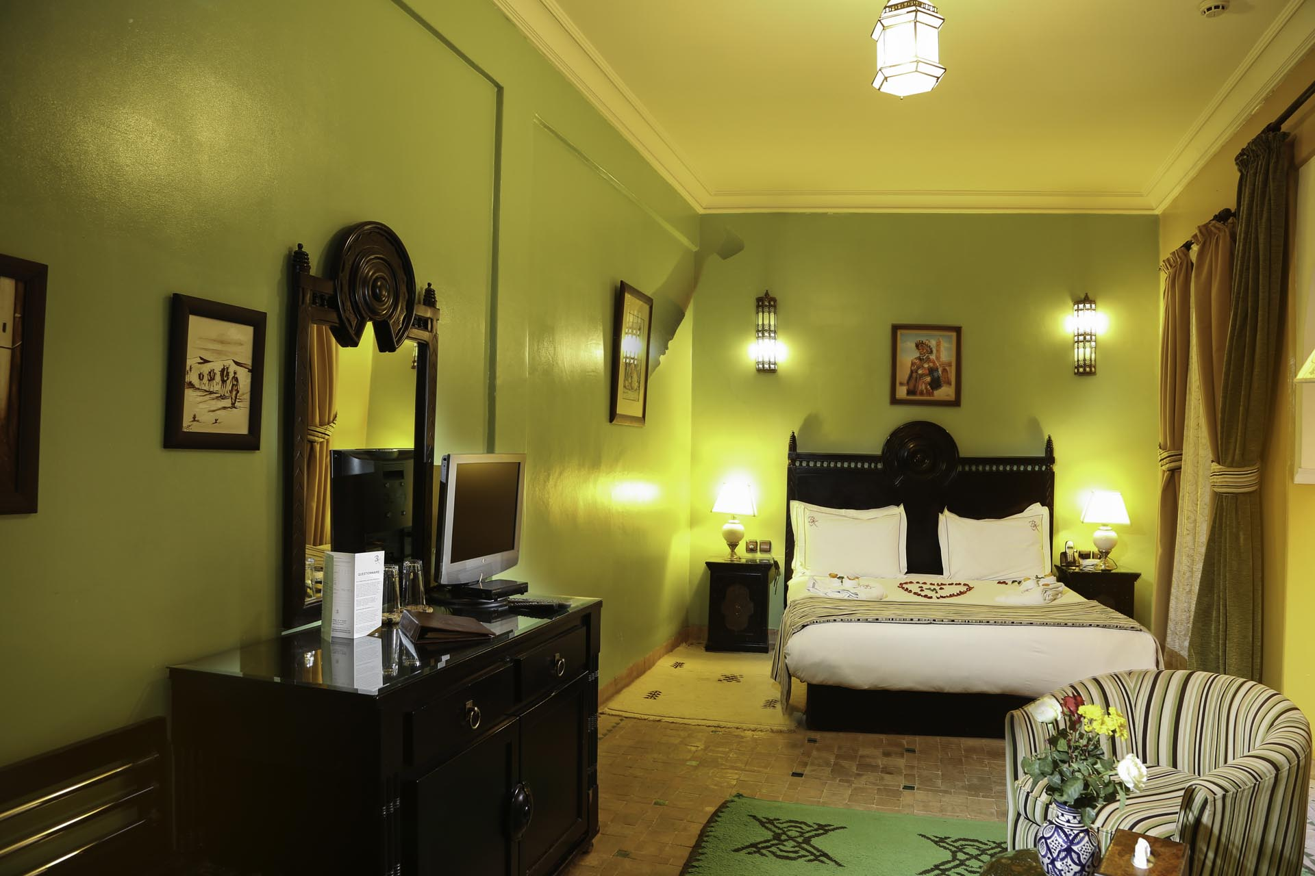 Standard room (302)